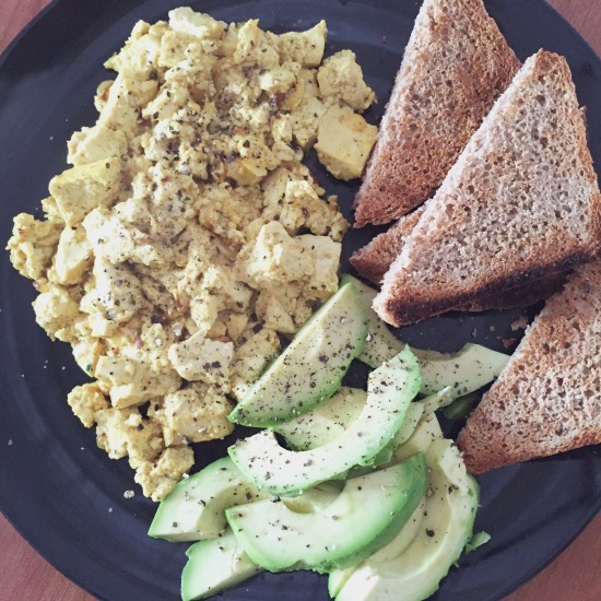 vegan-scrambled-tofu-breakfast