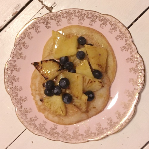 vegan-gluten-free-pancakes-pinapples