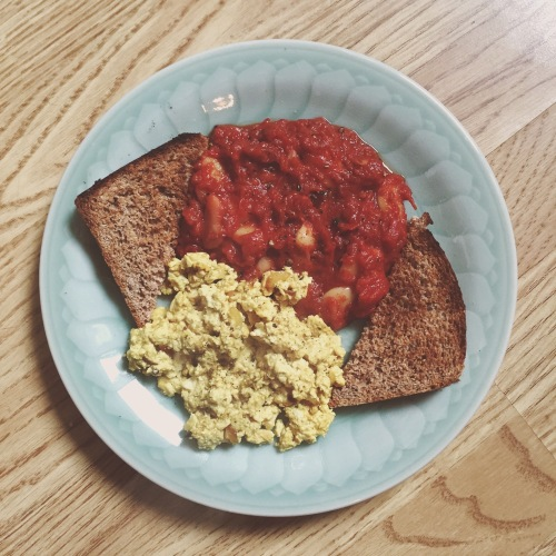 posh-beans-scrambled-tofu-toast