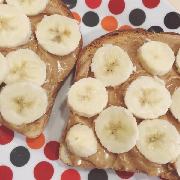 peanut-butter-banana-gluten-free-toast