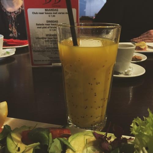 orange-kiwi-juice