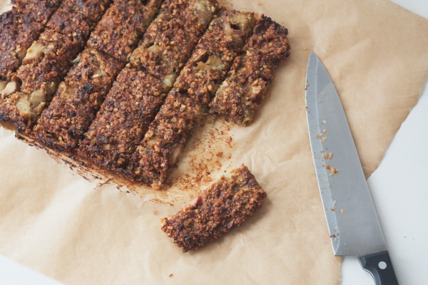 vegan-rhubarb-cereal-bars