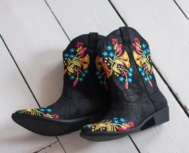 vegan-coconuts-boots